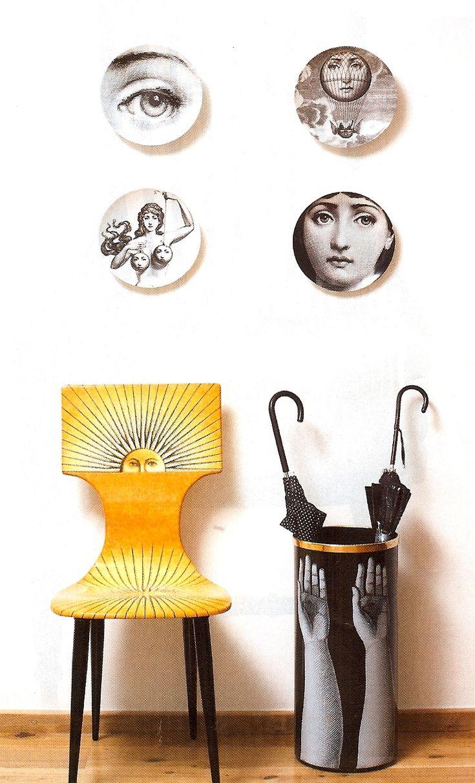 Assiettes, chaise et porte-parapluie Piero Fornasetti / Plates, chair, umbrella rack