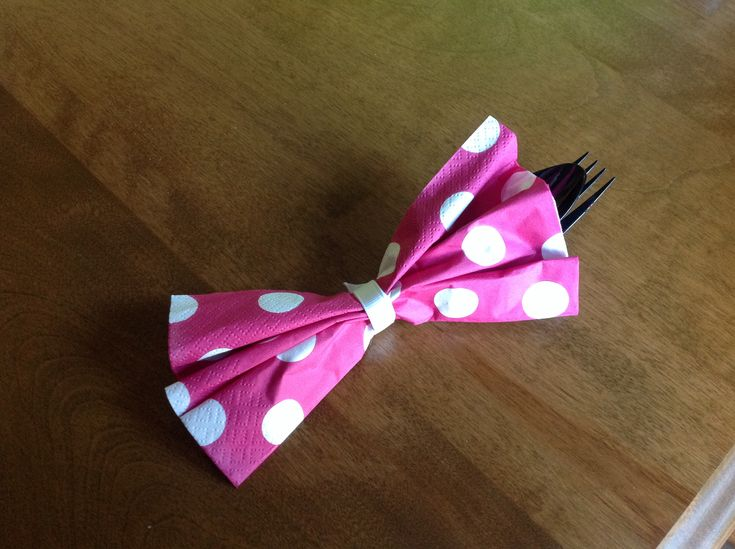 Napkin, fork and spoon for Minnie Bowtique birthday party.