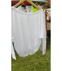 Dámské lehké tričko volného střihu s velkým kulatým výstřihem. Na zadní straně trička je umístěna strojová krajka.