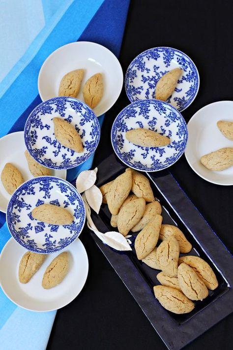 Size ısrarla tavsiye ediyorum bu kurabiyeyi.Çıtır çıtır tahin aroması ile efsane.Favori kurabiyeniz olabilir.Deneyince bana hak vereceğ...