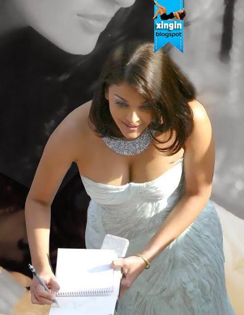 Aishwarya Rai Hot Cleavage | Hot Aishwarya Rai Bachchan in White Costumes