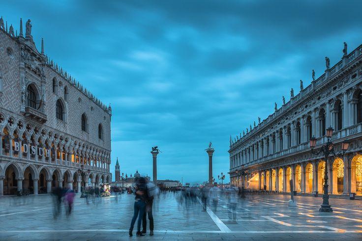 """""""Straziami, ma di baci saziami"""" - Piazza San Marco, dove darsi il più bel bacio al mondo"""