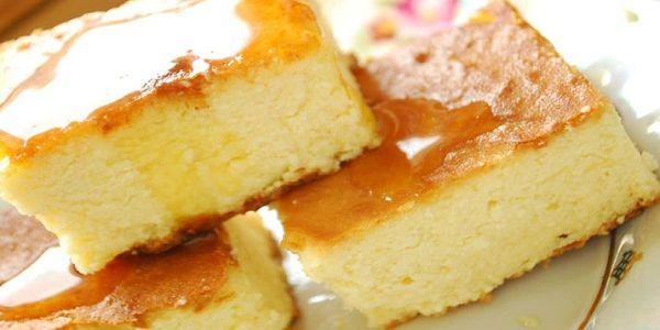 Ингредиенты: 450 грамм жирного творога 4 яйца ½ стакана сахарной пудры 30 грамм нежирной сметаны...