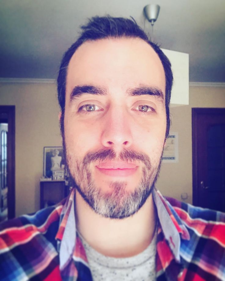 Buenas tardes a todos :) #i #me #selfie #shirt #beard #canas #barba #yo #sebamarin #green #eyes #color #colorful #iphone #iphonesia #iphone6 #instagram #instapic #instacool #instagrammers #instagood