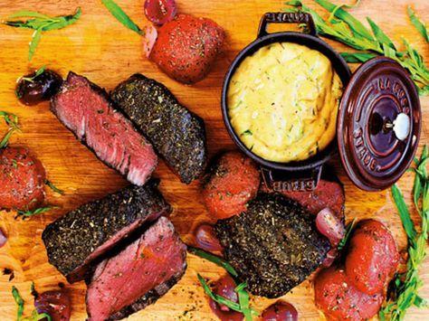 Helstekt oxfilé med pommes och bearnaisesås (kock Christian Hellberg)