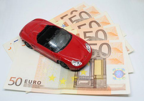 What is the importance of the car rental insurance in case of personal injuries?