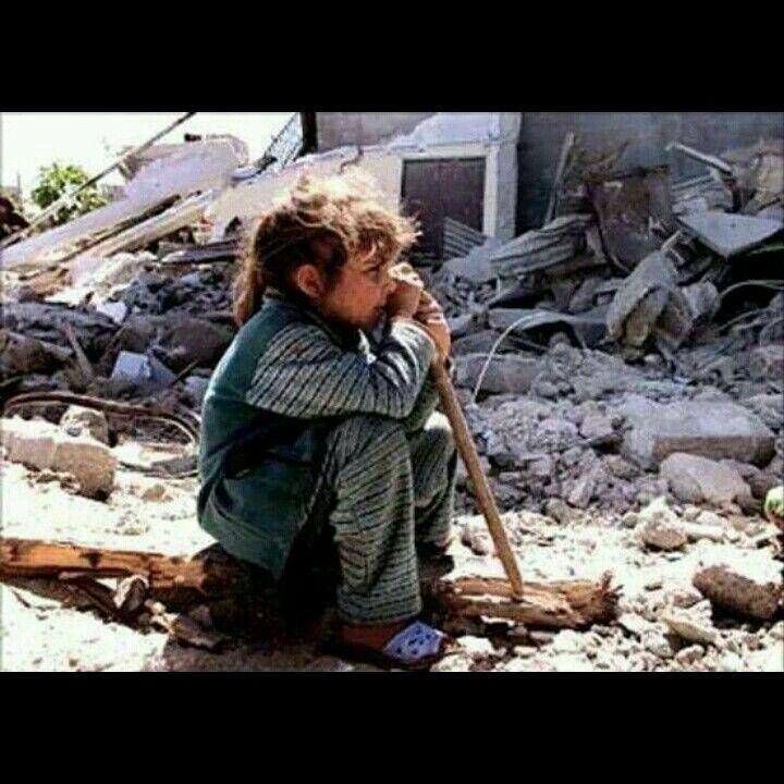 شفاه تحمل نصف ابتسامة وقلوب منفطرة متشوقة لعدل لا يجئ ما أكثر الغزاه الذين مروا وأحرقوا الأخضر واليابس وما أشجع Syrian Children Light Healthy Healthy Choices