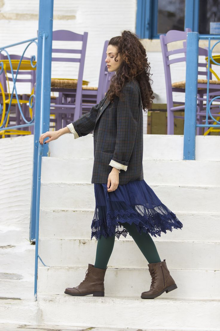 Casual combo with gipsy croquet skirt, combat boots, and checkered oversized jacket.