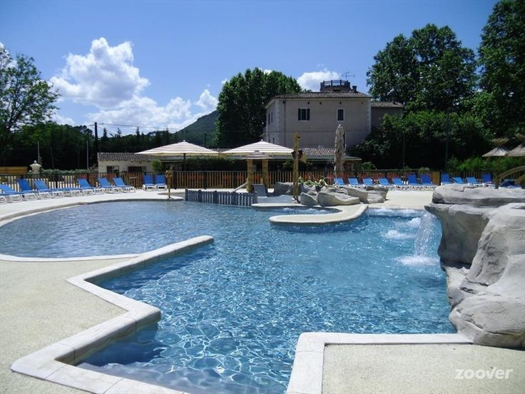 Camping Yelloh ! Village Le Castel Rose*** foto's. Bekijk Vakantiefoto's van Camping Yelloh ! Village Le Castel Rose*** in Anduze (Gard) | Zoover