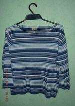 niebieski sweterek w paski XL