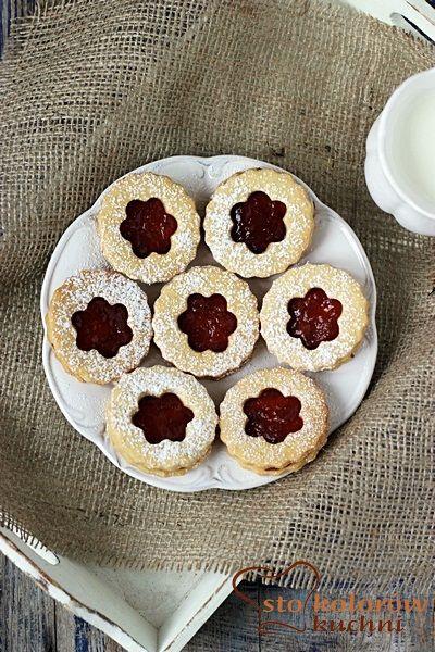 Kruche ciasteczka z dżemem (Linzer cookies)