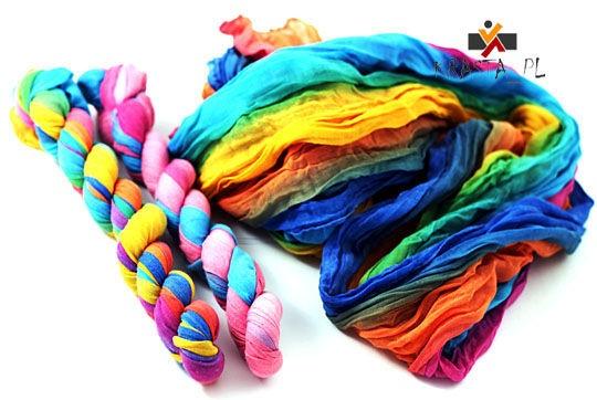 Modny kolorowy szal dla każdej z Pań
