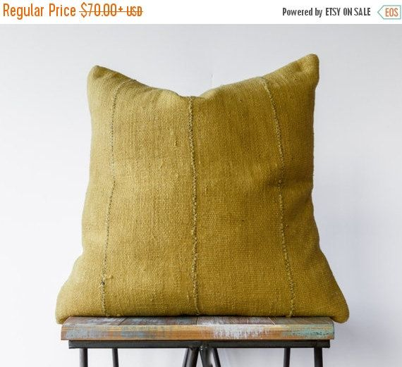 HOLIDAY SALE... Authentic African Mud Cloth Pillow in by BryarWolf