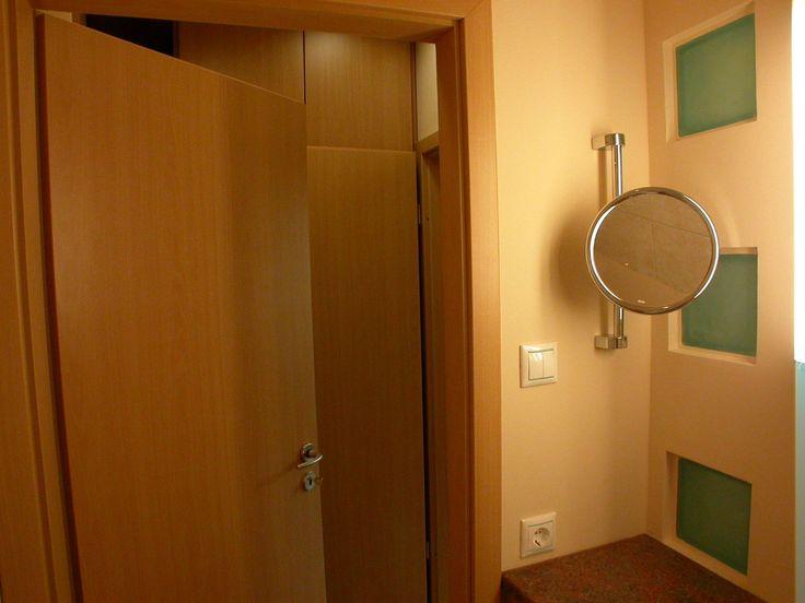 színfurnéros szekrény