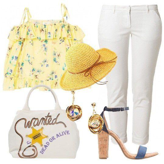 Chino+7/8,+camicetta+di+colore+giallo+in+fantasia+floreale+con+maniche+a+3/4+che+lascia+le+spalle+scoperte,+sandali+di+jeans+con+tacco+largo,+borsa+a+mano+con+applicazioni+a+contrasto,+orecchini+e+per+finire+delizioso+cappello+di+paglia.+Look+perfetto+per+gustare+un+gelato+o+un+aperitivo+in+riva+al+mare.