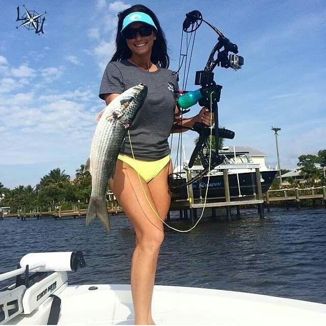 1283 best bakvis images on pinterest fishing girls for Women fishing in bikinis