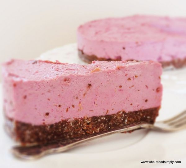 A delicious raspberry and chocolate 'cheesecake' made from wholefood ingredients. Free from gluten, grains, dairy, refined sugar and egg.
