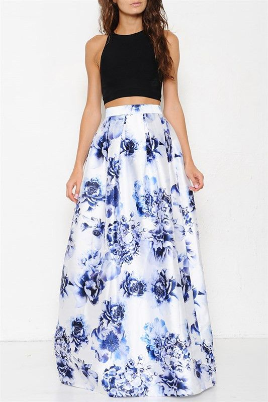 A Maxi skirt with a fitted crop top gives u a sophisticated look