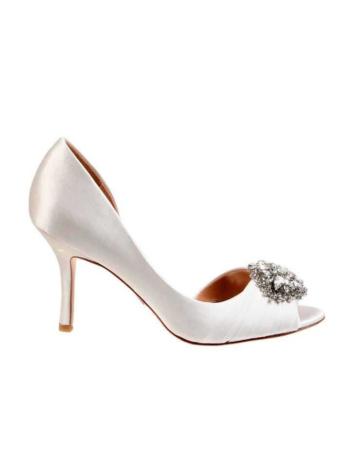 Wedding day inspiration from Kleinfeld Canada: Badgley Mischka shoes, Pearson White