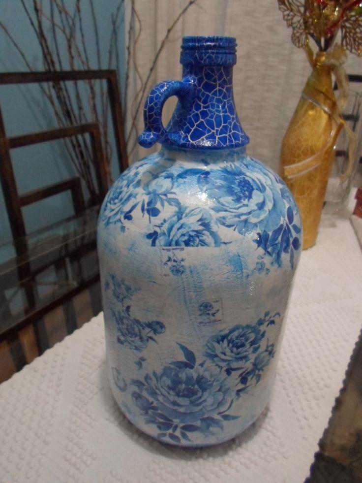 Garrafão de Vinho em Flores Azul