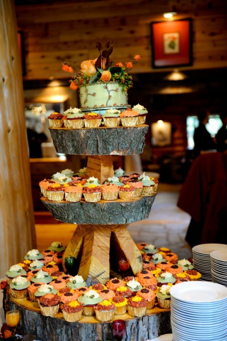 fall wedding cakes ideas, October wedding food inspiration, Autumn wedding wood decor ideas