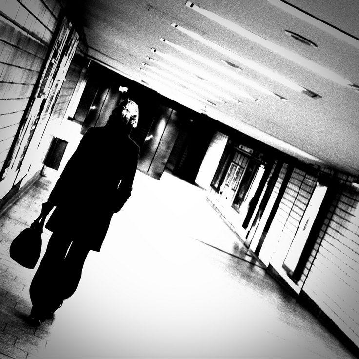 alone by DocMaowi