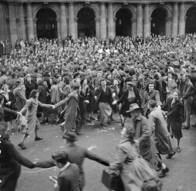 World war dates in Melbourne
