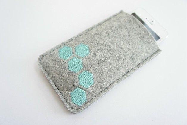 wool felt mobile Case  <3 mint geo