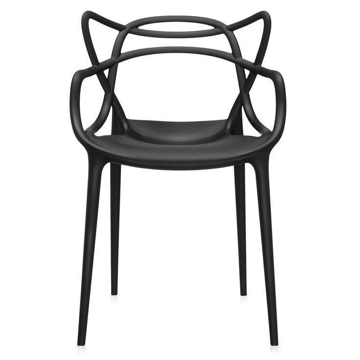 Een uniek ontwerp van Philippe Starck! Deze fantastische Masters stoel werd zelfs beloond met de Good Design Award. De leuningen en zitting zijn opgebouwd uit vloeiende lijnen en lopen in elkaar over. Deze Kartell staat zowel buiten als binnen mooi!