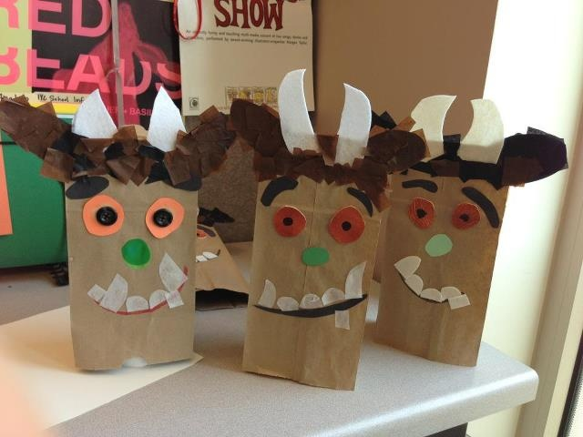 "We made these fun Gruffalo bags before ""The Gruffalo"" on April 27, 2013 at NYU Skirball Center."