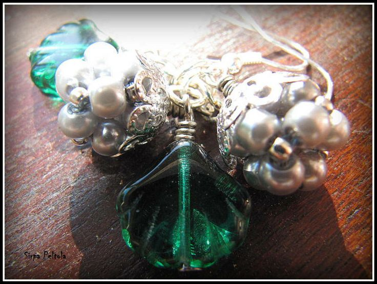 """HopeaHillat"" ""Cloudberries"" Another version of one of my favourite jewelry patterns. Loving those dark green leaves with silver colour glass beads and tiny spacer beads."