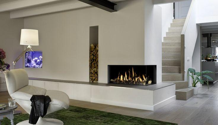Corner Bell Medium  Hidden Door or Hidden Door+ 10cm. frame •with double burner (NEW) •lamels, plain background or black ceramic interior •ceramic burner, 2-8kw output and 85% efficient •realistic looking wood logs