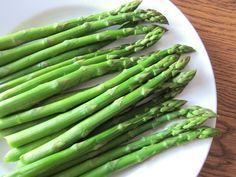 Cooking asparagus in the microwave takes only 3 minutes and results in a very delicious steamed asparagus - without the mess of hot steam and boiling water! When you try cooking asparagus in the microwave, …