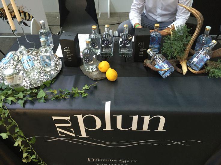 #bartender#cocktails#drinks#design#restaurant#gin#dolgin#italy#southtirol#rhum#mixology#zuplun#alpedisiusi#picoftheday#modernbartending#drinking#cocktailsathome#cocktailforyou#bar#barman#cocktailart#follow4follow#cocktailsaroundtheworld#trinkkultur#cocktailporn#foodporn#drinkoftheday#drinkstagram#instadrink#spirits#style#highluxury#mixologyitalia