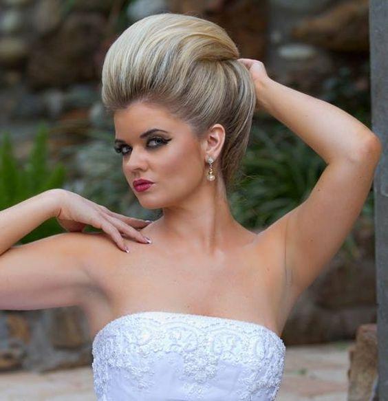chignon avec coque   Hair styles, Womens hairstyles, Teased hair