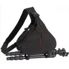 Profi fotósoknak készült keresztvállas hátizsák - táska, melyben fényképezőgép, objektív és állvány is elfér