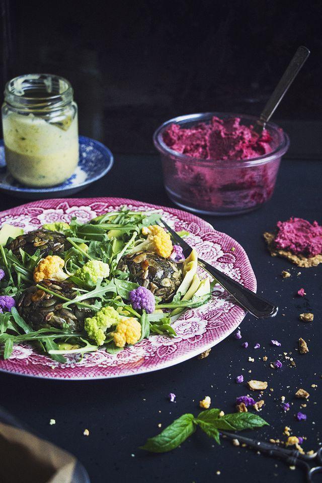 Krispiga mungbönsbiffar med curry & ingefära serverad med mango & myntasås (via Bloglovin.com )