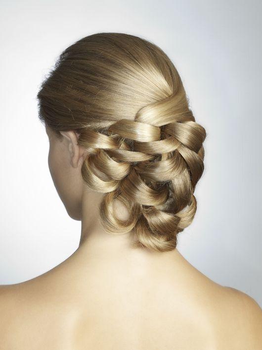 Dos peinados para una novia... cuál es el tuyo 2