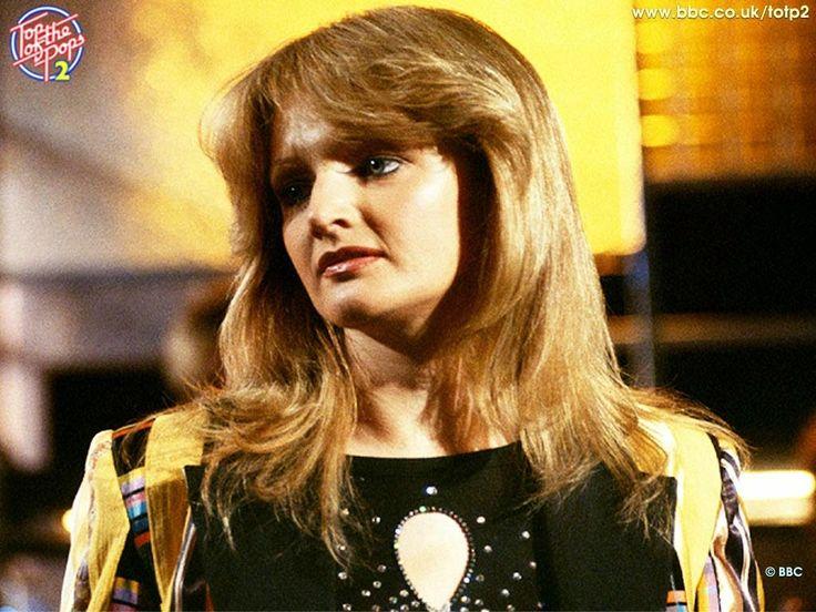 """HIT VIDEA: """"I Need a Hero"""", by Bonnie Tyler"""