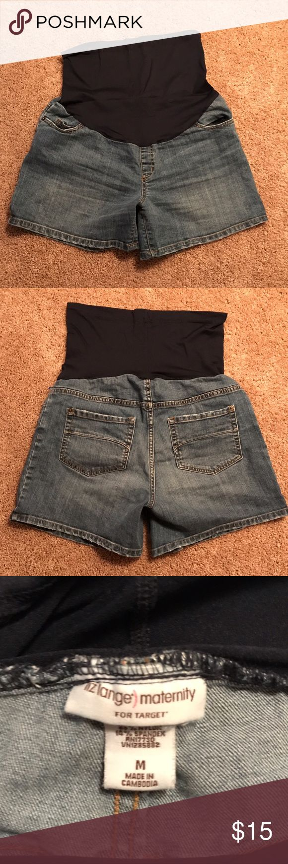 Liz Lange Maternity Shorts Size medium. Excellent pair of maternity shorts by Liz Lange. Slightly distressed design. Liz Lange Shorts Jean Shorts