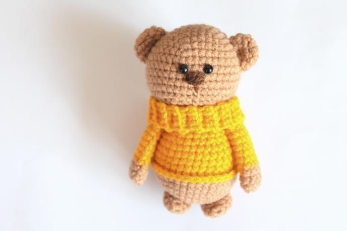 Amigurumi teddy in sweater - FREE pattern