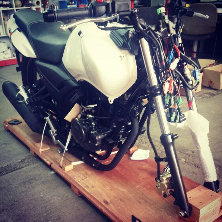 Nuestras motos importadas se arman en nuestro taller, esta es la Nueva RTR160 disponible en MotoMundo, ven por la tuya y olvidate del tráfico. #motos #motocicletas #ofertas #tuesady #Tvsmotos #promociones