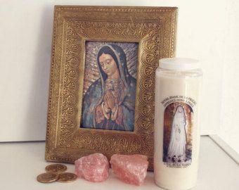 Tableau Notre Dame de Guadalupe Cadre Vierge Marie / Our Lady of Guadalupe Frame   #holy #spirit #art #icon #jesus #mary #virgin #vierge #marie #jésus #christ #collier #bijoux #ex #voto #exvoto #fleurs #rose #roses #médaillon #medallion #necklace #jewelry #bijou #bijoux #religieux #religious #saint #our #lady #notre #dame #icone #icône #chapelet #croix #cross #rosary #rosaire #glass #virgin #mary #jesus #lourdes #fatima #home #altar #frame #guadalupe