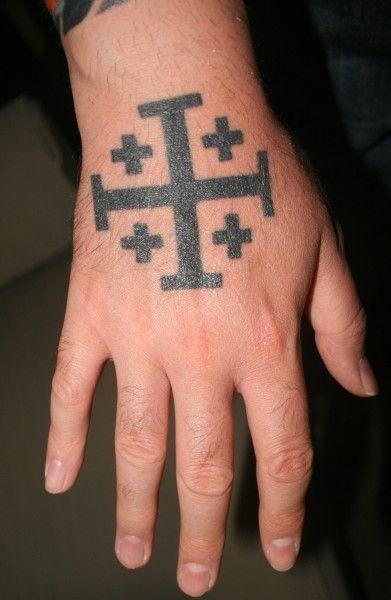 Resultado de imagen para cruz de jerusalen tatuaje principe de gales