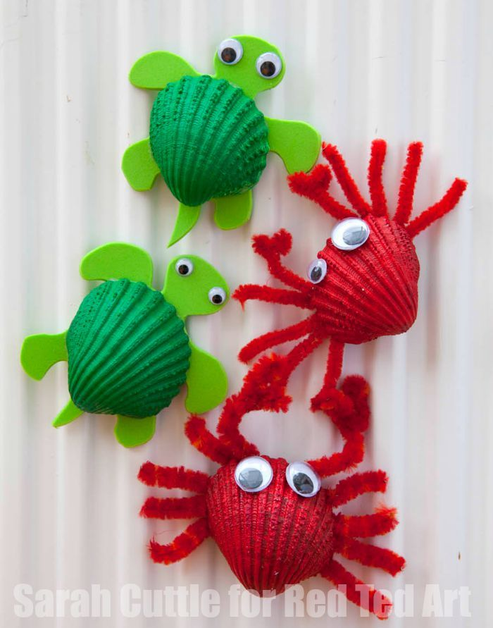 We love shells. But Shell Crafts can be a bit tricky - how can you make the most of these beautiful and tactile nature finds? Check out our adorable crabs..