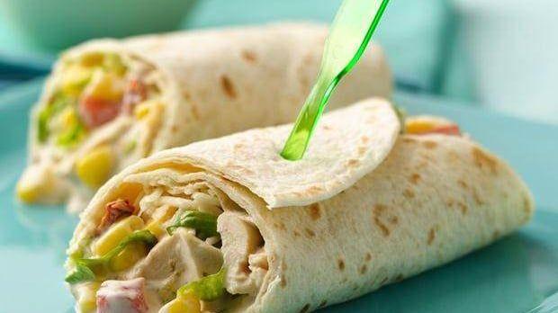 Unser Old El Paso Rezept für Poulet-Fajita-Salat-Wraps ist schnell zubereitet. Mexikanisch kochen leicht gemacht - ein Leckerbissen für die Familie.