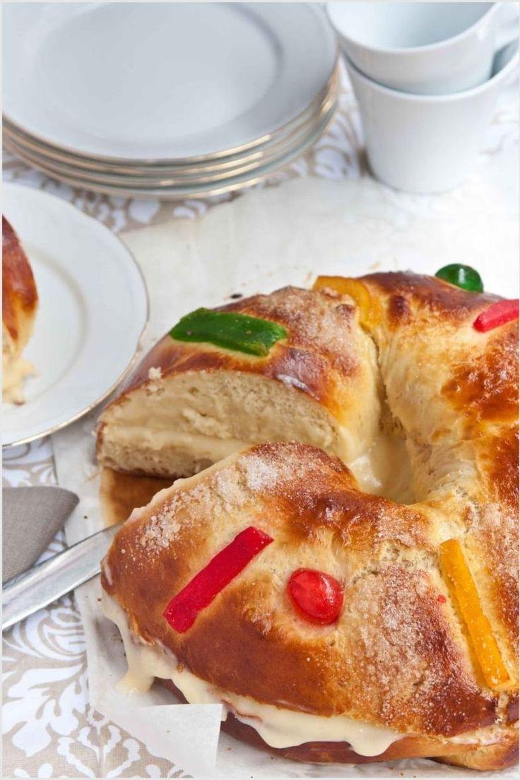 Roscón de Reyes casero, típico dulce para la noche del 5 de enero