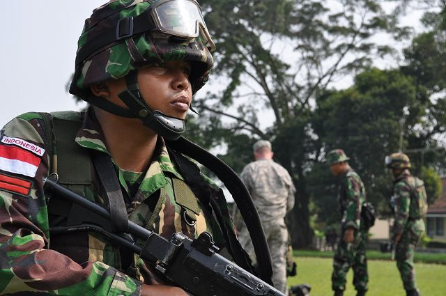 indonesian military | Indonesian army soldiers during counter improvised explosive device ...