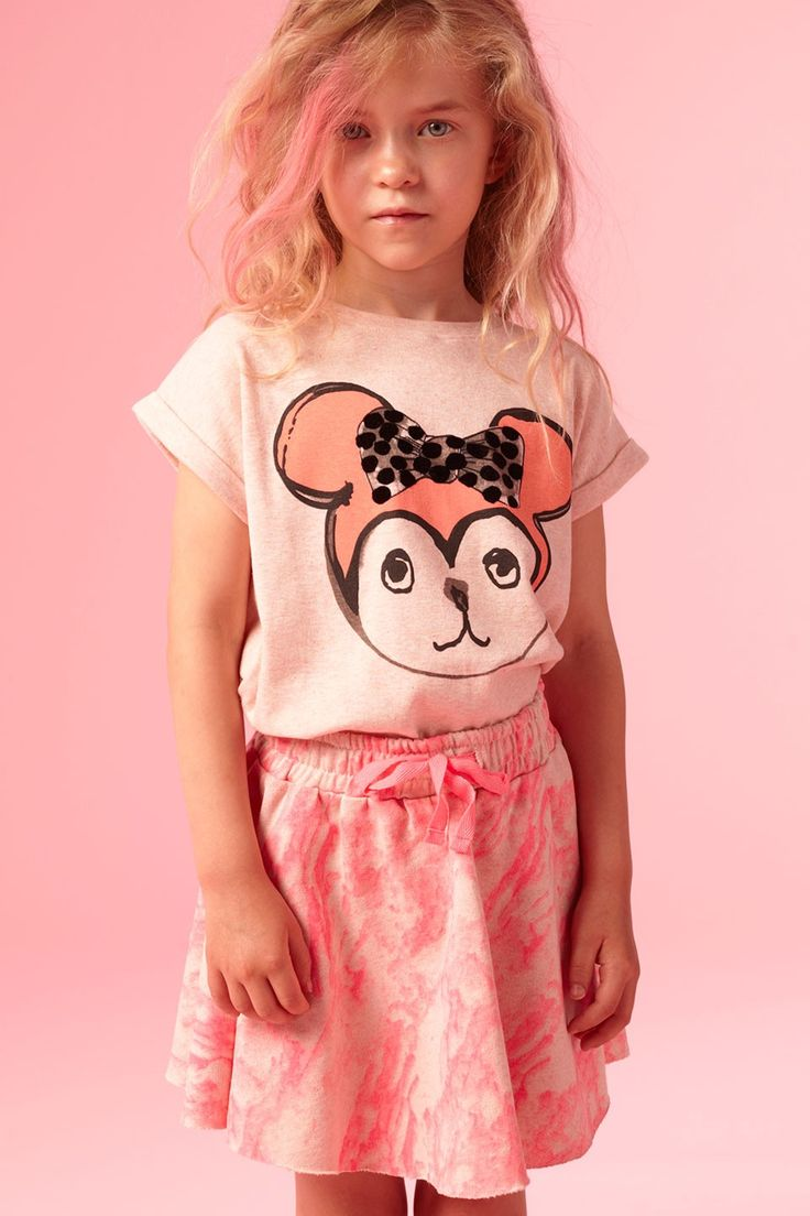 Soft pink melange t-shirt from Soft Gallery.  Print Minni at front with neo pink ears and bow with black velvet dots. Short sleeves with turn uo and round neck. The print is made by Kitt Stuart in collaboration with Soft Gallery.