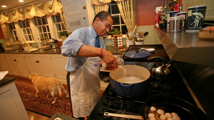 Want Deval Patrick to campaign for you? Bring some good food. #Politics #iNewsPhoto